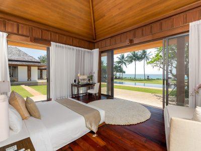 bedroom2-master-ocean-view-gallery1